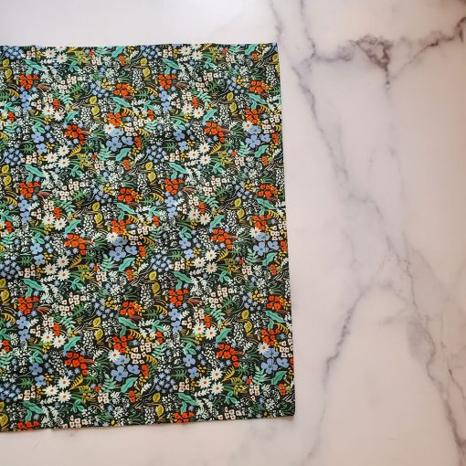 the-local-project-meadow-hunter-green-table-runner-relish-decor