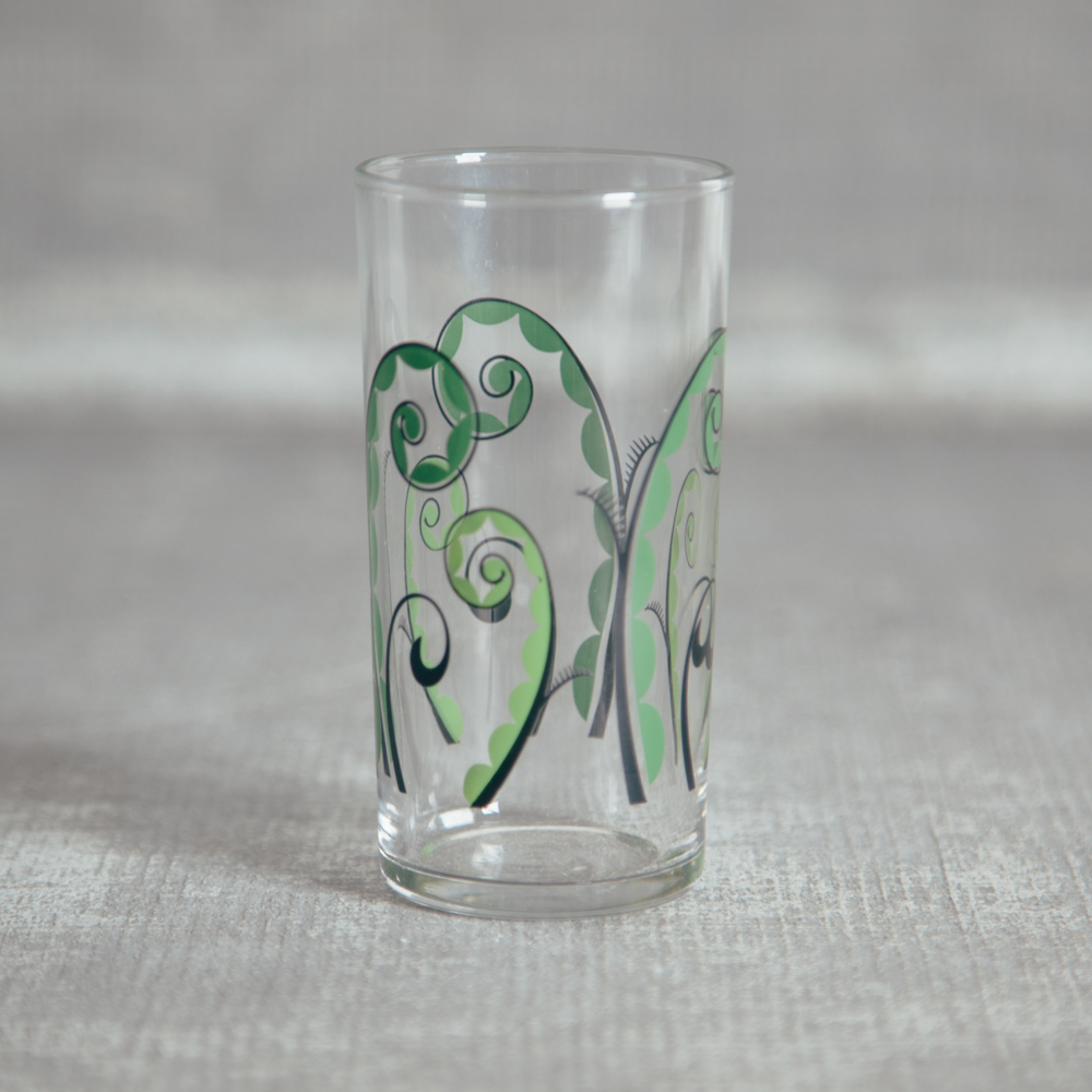Fishs Eddy Fiddlehead Italian Wine Glass Relish Decor