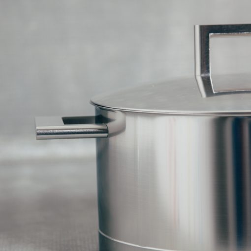 demeyere zwilling john pawson stainless steel professional cookware dutch oven 8.9 5.5 quart detail