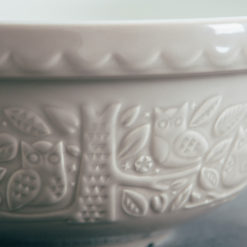 Mason Cash In the Forest mixing pudding bowl basin relish decor stone owl mixing bowl detail