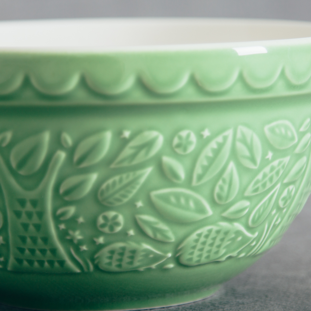 Mason Cash In the Forest green hedgehog mixing bowl relish decor detail