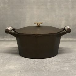 finex-5-qt-dutch-oven-relish-decor