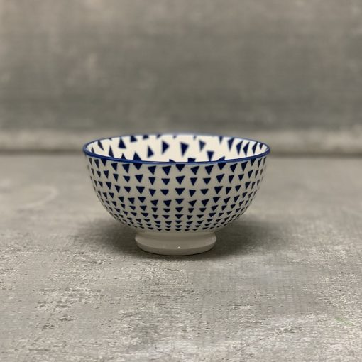 akita-coupe-stamped-bowl-blue-triangles-relish-decor