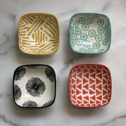 square-pinch-bowl-relish-decor