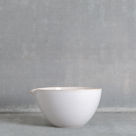 casafina-ibiza-sand-mixing-bowl-with-spout-relish-decor